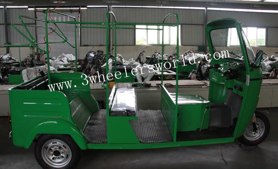Indian Bajaj 3 Wheeler 4 Stroke Tricycle Bajaj Vespa