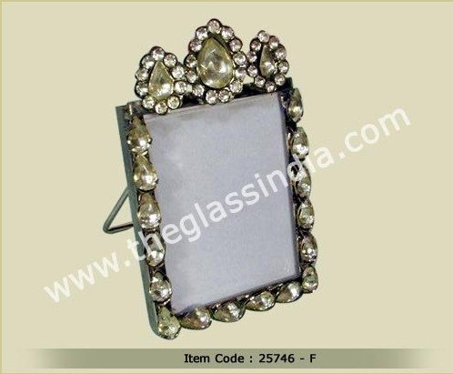 Small romantic photo frame with light yellow glass beads