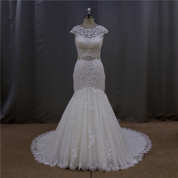 The new thick pearls bow hand knit wedding dress