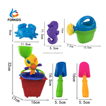 Hot sale 8pcs funny beach sand toy set plastic bucket with wheels