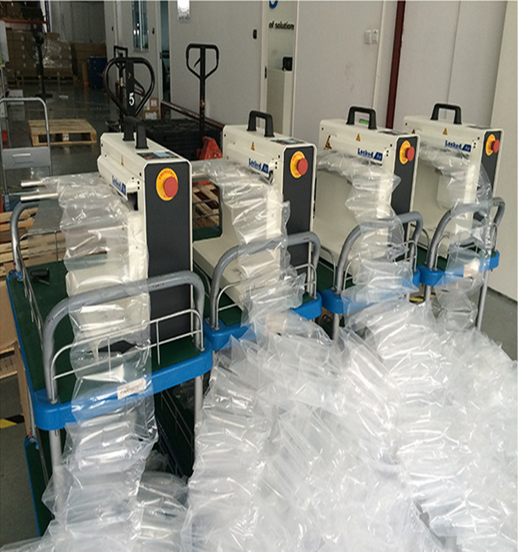 Air cushion machine for packing and filling