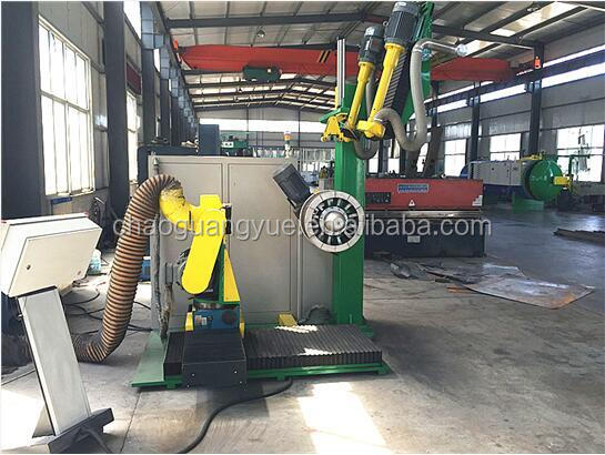 Expandable rim CNC tire rasp machine with sidewall brusher