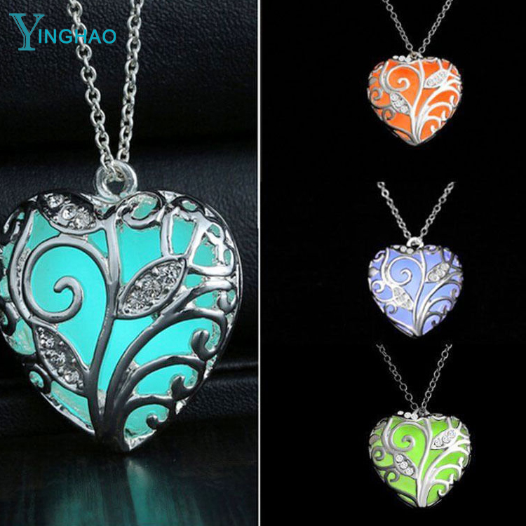 Luminous Necklaces Vintage Glow in the Dark Pendant Locket Love Heart Necklace For Women Jewelry <strong>Accessories</strong>