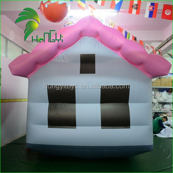Commercial PVC Soft Inflatable House Model / Movablee Inflatable Home Replica For Sale