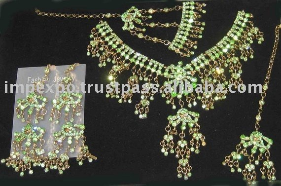 Ladies Fashion Necklace Set (Bridal Set) (Item No. IMPEXPOBRIDALSET115)