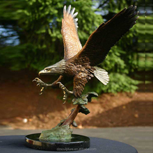 life size outdoor flying bird eagle sculptures with open wings