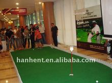 Soft indoor golf putting green curly grass