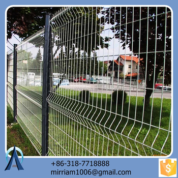 Made in China hot sale Hot dip road divider safety fence / 3d road divider safety fence / welded road divider safety fence