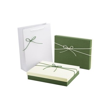Custom high quality luxury retail embossed gift box packaging with logo