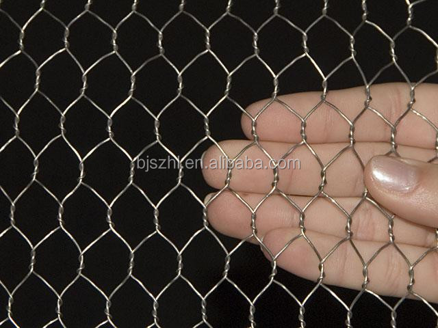 White plastic chicken coop ironwire fencing for sale