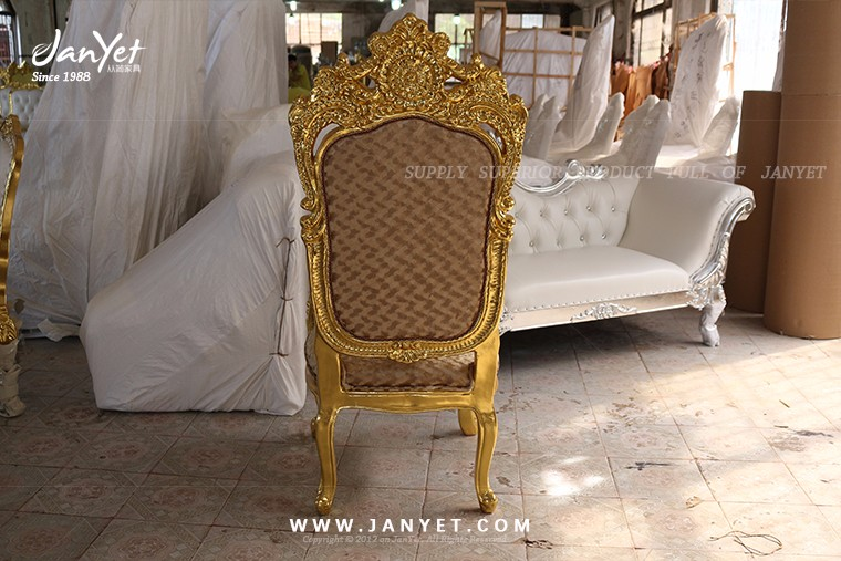 2017 Good quality gold classic royal king chair for wedding