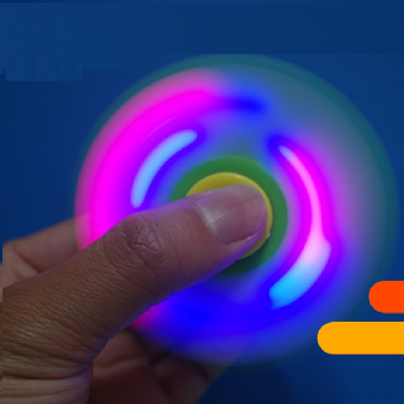 2017 Newest design ceramic bearing hot sale led hand spinner Fluorescent light Spinner