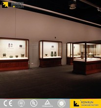 Ultra Clear Tempered Glass Museum Quality Display Case with Led Light