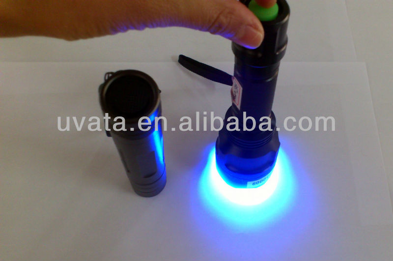 Fluorescence test UV LED flashlight