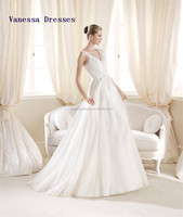 Simple A-line Organza V-neck Applique Hot Name Brand Wedding Dress