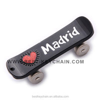 fancy souvenir madrid custom design metal skateboard keychain (BK53271)