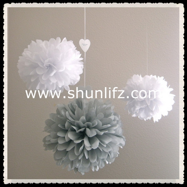 2015 hot new products wholesale Christmas ornament tissue paper pompom