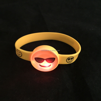 2016 fashion custom logo flash silicone wristband soft bracelets with led light up