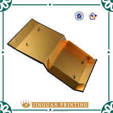Luxury Foldable Garment Paper Packaging Box with Magnet Closing and Rope Handles