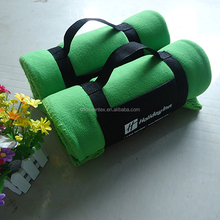 green color polyester polar fleece anti pilling 150D 144F with brand logo customized easy carry portable travel blanket