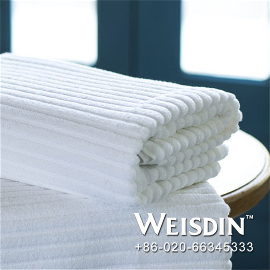 100% polyester made in China hot sell in thailand bright colored bath towel