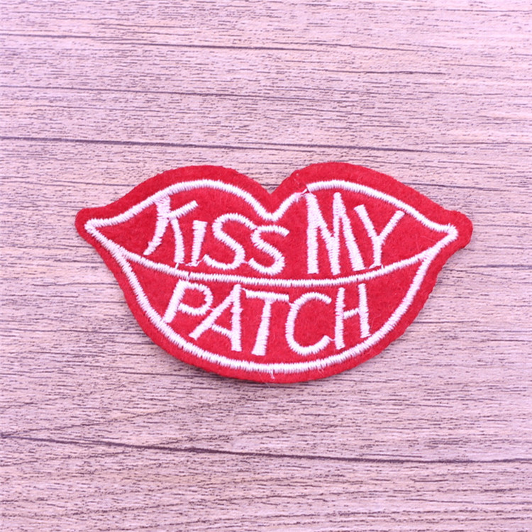 2016 baby custom embroidery lip designs appliques patch for garment