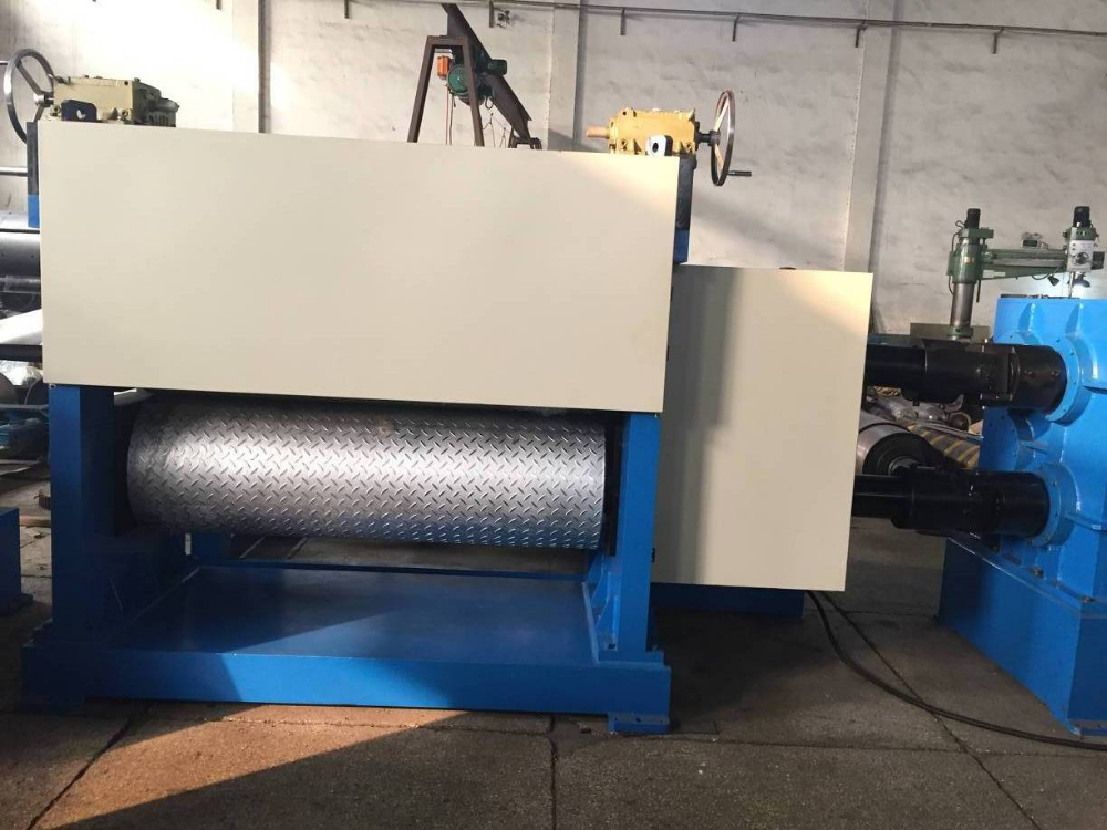 Cold rolling embossing machine