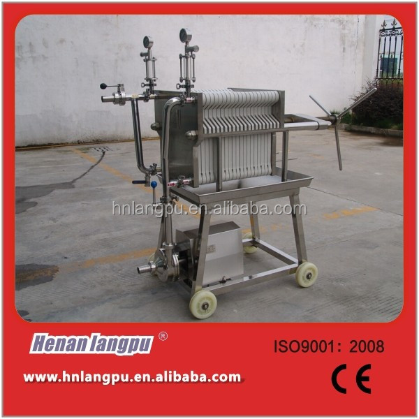 Filtering cooking oil press