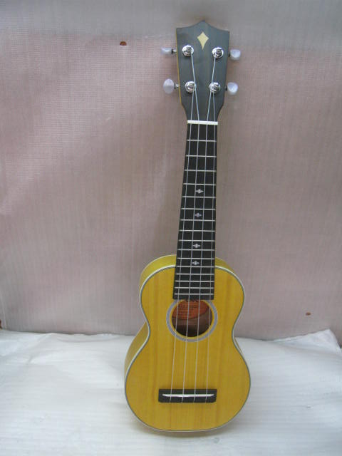 Hot Selling Cheapest Yellow Wooden Ukulele