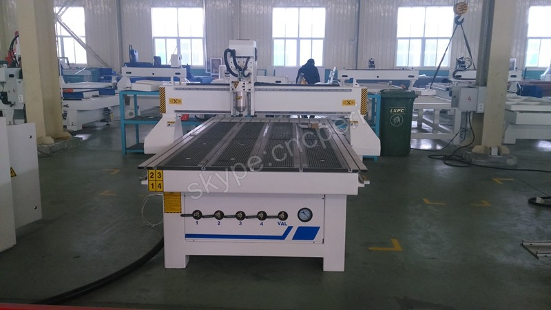 High quality loading & offloading system cnc router engraving cutting machine old cnc machine for making wood furniture