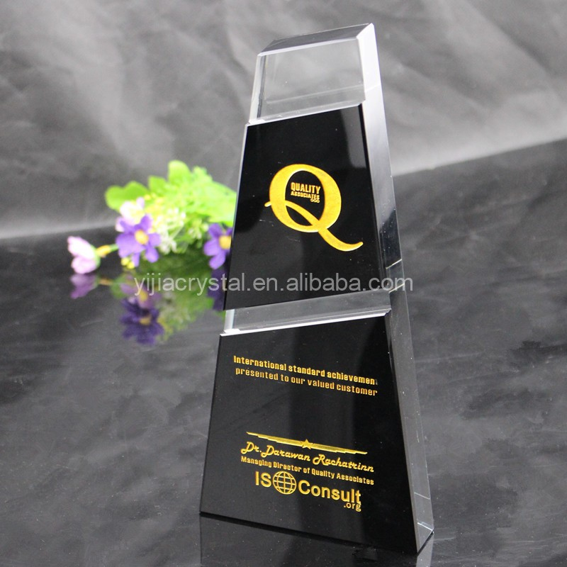 2019 Porcelain crystal trophies sandblasting process customized logo glass award trophy for souvenir