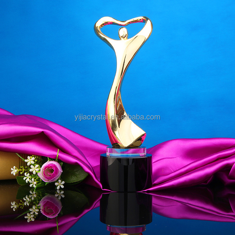 New Design Dancing Goldman Crystal Metal Trophy Award for Ceremony Souvenir