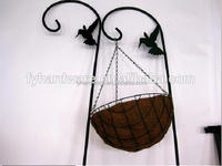 Various type Spain Style wire hanging baskets with coconut liners