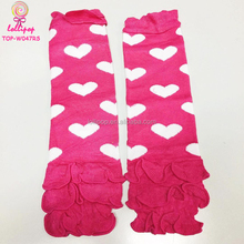 In Stock Soft Cotton Knitted Hot Pink And White Heart Pattern Legwarmer Ruffle Valentine's Day Baby Girls Leg Warmers