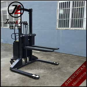 1500kg straddle semi electric forklift Stacker