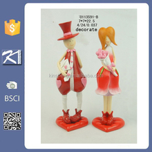Promotional resin boy and girl figurines valentines day gifts