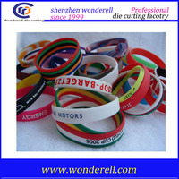 2015 new custom Promotional rubber silicone bracelets with sayings bracelet for women men lovers