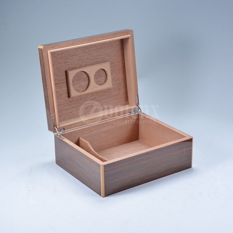 Made in china cigar accessories travel humidor boxes