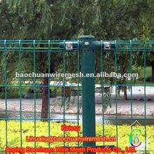 Green pvc coated double ring wire mesh fence for garden fence
