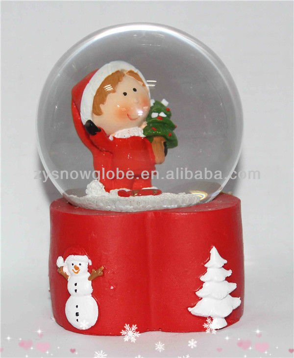 Electric resin christmas snow globe