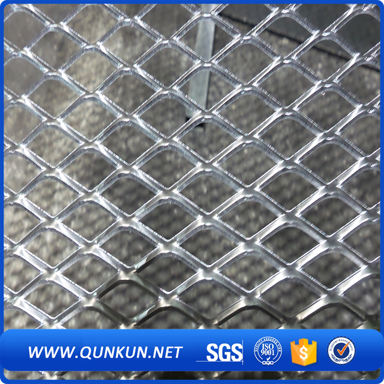 Mini plastic coated flattened expanded metal mesh