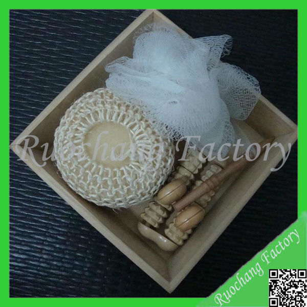 Promotional Natural Wooden Bath Set gifts , Health decorative bath towel sets