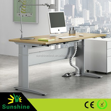 Manual and electric height adjustable tables, teacher desk