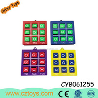 Promotion gift key chain tic tac toe game plastic tic tac toe game pieces