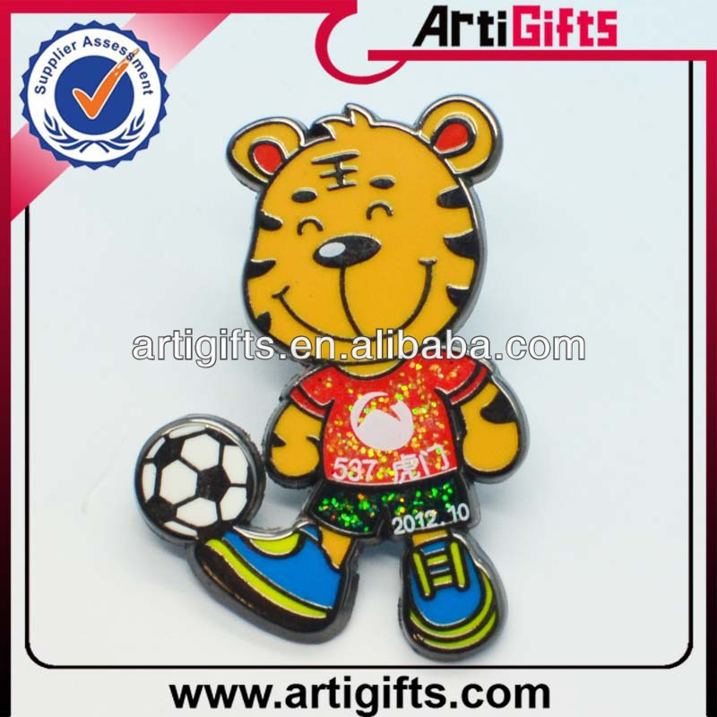 Newest fashion cute cartoon lapel pin