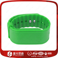 Factory price Green Silking Screen Logo Print RFID Silicone wristband/bracelet