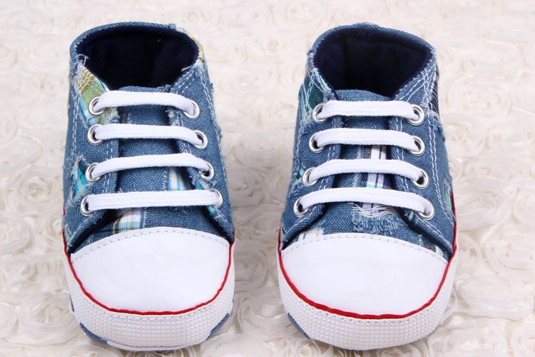 Wholesale baby with denim <strong>hole</strong> start toddler shoes