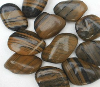 Natural Grantie Pebble