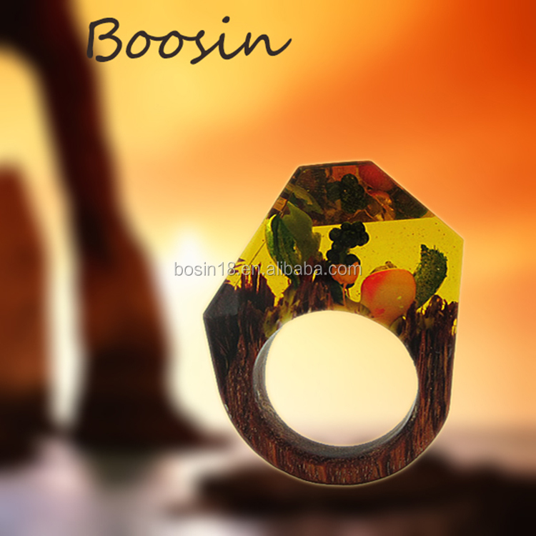 Handcrafted Wood &Resin Ring Jewelery with hidemagical miniature landscapes for man woman