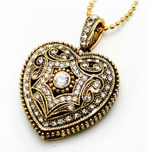 Gold 8GB Classical Diamond Crystal Heart Shape USB Flash Drive with Necklace